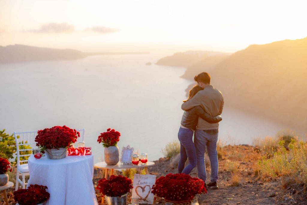 "9 places that scream ""I love You"" in Santorini 2"