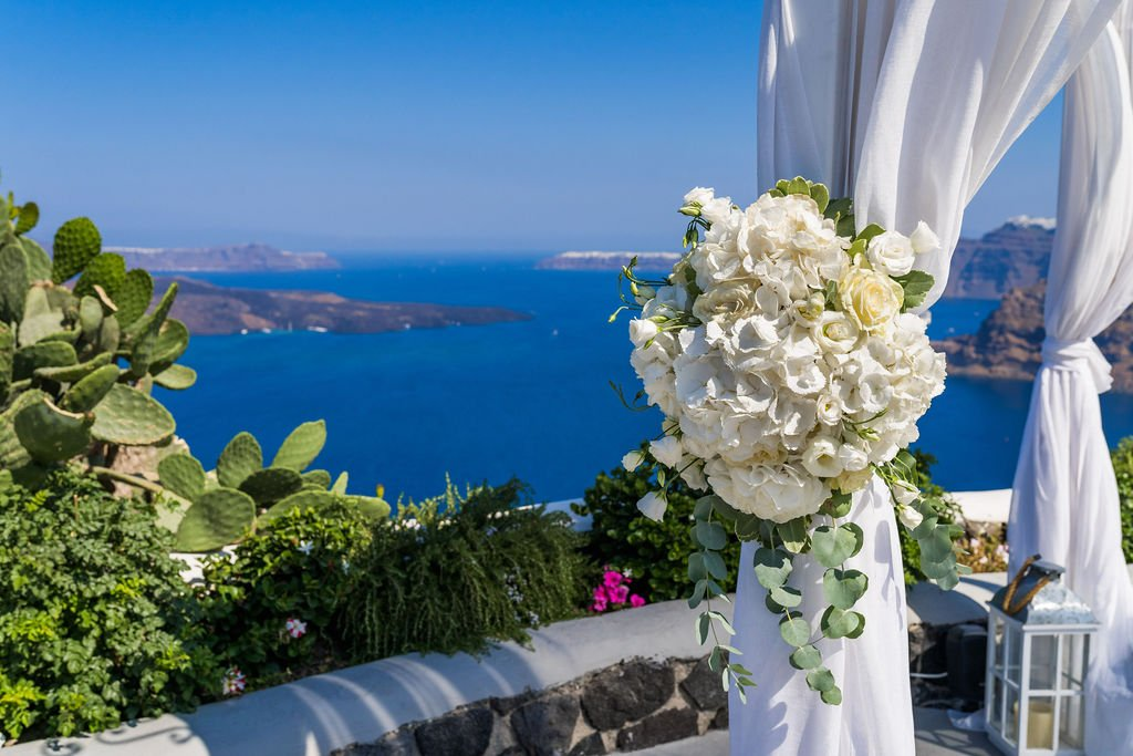 5 things that we advise about our guest to do when it comes to wedding santorini and they never do 2