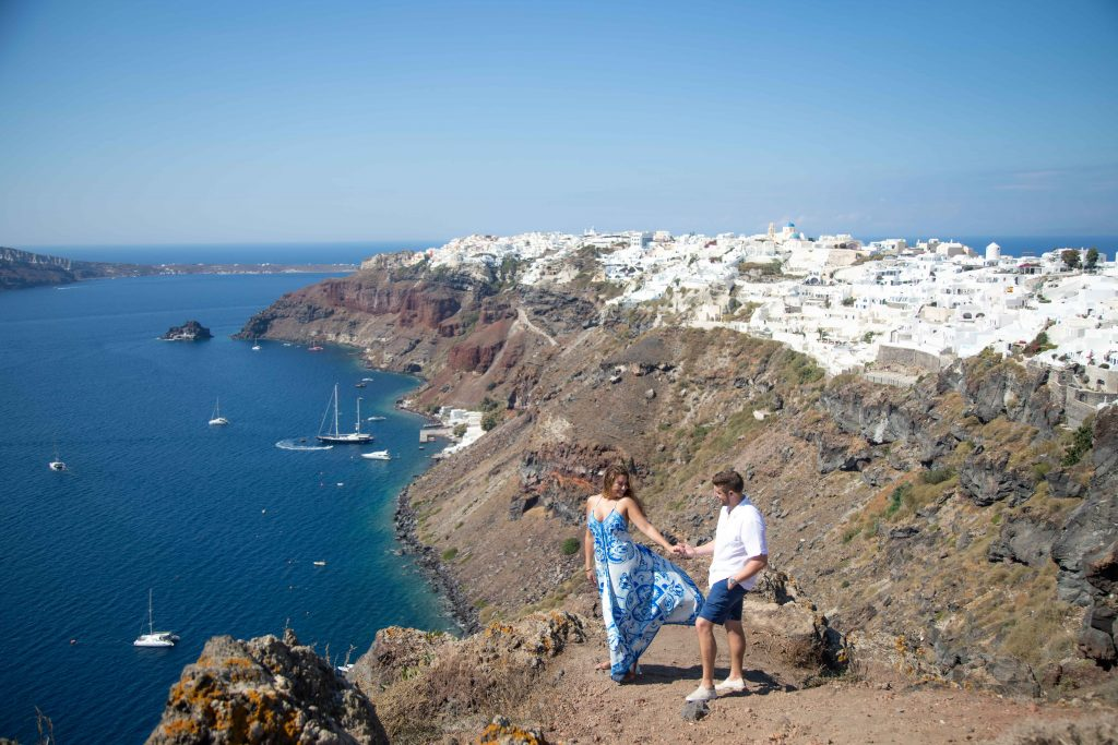 "9 places that scream ""I love You"" in Santorini 1"