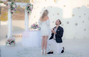 Santorini – The perfect place for Wedding Proposals 3